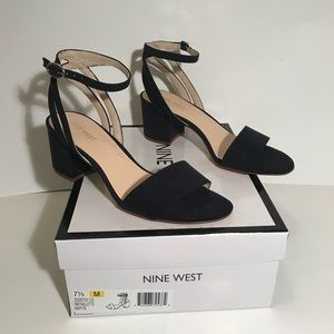 Nine West Galletto Navy Sandal 7.5m. New